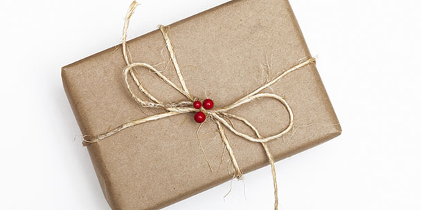 an-etiquette-experts-guide-to-holiday-gift-giving