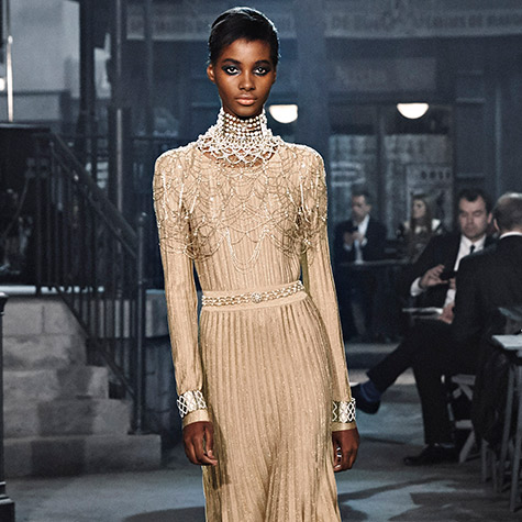 9-holiday-styling-tricks-to-note-from-chanel-metiers-dart-show