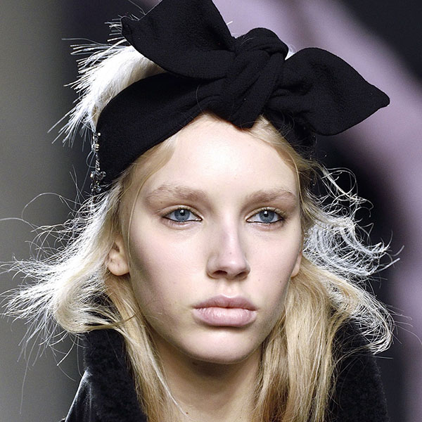 beauty-trends-from-london-fashion-week-were-dying-to-try