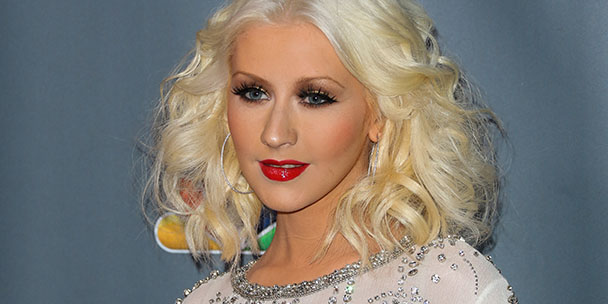 "Christina Aguilera: ""Stop pressuring moms to do it all"""