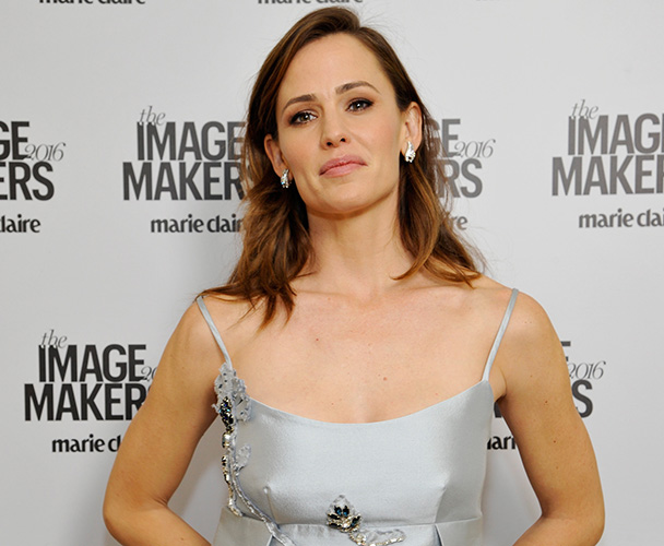 jennifer-garner-is-finally-ready-to-talk-about-her-divorce-ben-and-nannygate-2