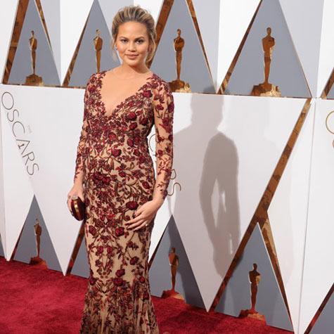 chrissy-teigens-best-pregnancy-looks-2-2