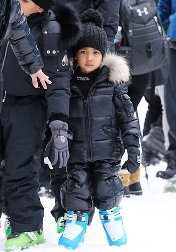 north-west-just-wore-a-super-obscure-street-wear-brand-2