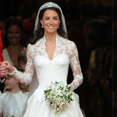 proof-that-kate-middletons-wedding-dress-is-still-as-timeless-as-ever