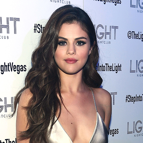Selena Gomez nailed this after-party beauty look