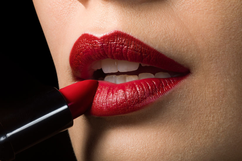 6f1ad9d9-be48-41af-9073-5ba9588aa230-red-lipstick.jpg