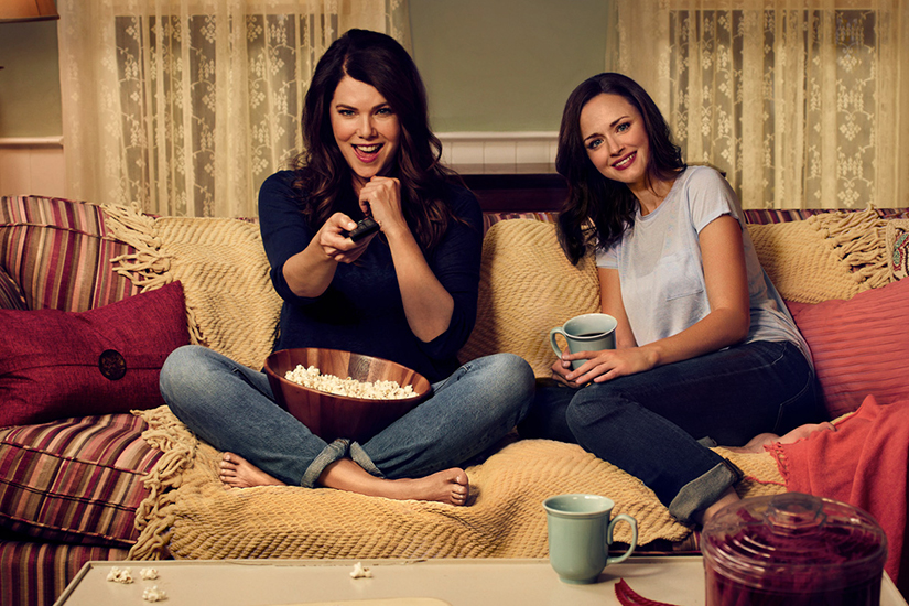 e15a2b52-d6c5-4cf1-91e6-fe3340625256-web-gilmoregirls-movie-night-us-final-jpg
