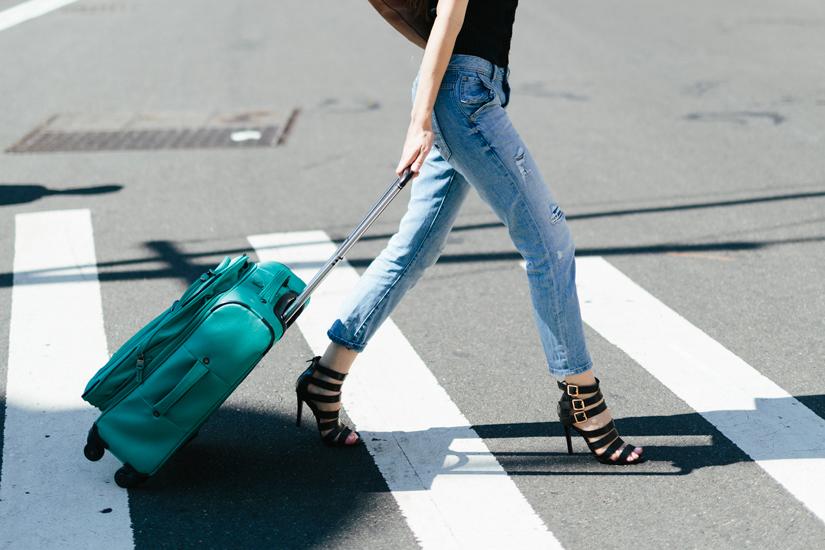 58eb21e1-fa76-40a7-a913-dcac2683f6ad-packing-suitcase-elle-canada-jpg