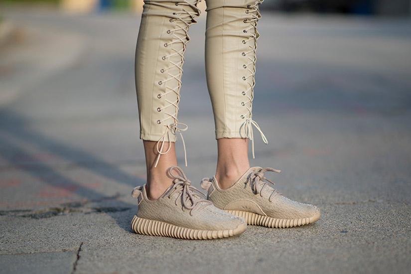 7cc10a4e-ccf7-4c37-96d4-0f6e6d0f2260-yeezy-shoes-jpg