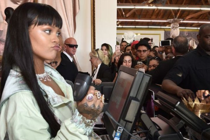 8aa6f4d7-dd6f-4e0f-bb8b-af8ff0bf7a23-rihanna-cashier-png