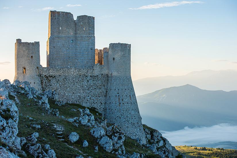 8b654c2e-4db3-4334-9eae-f695cfa8f5b8-free-castle-italy-jpg