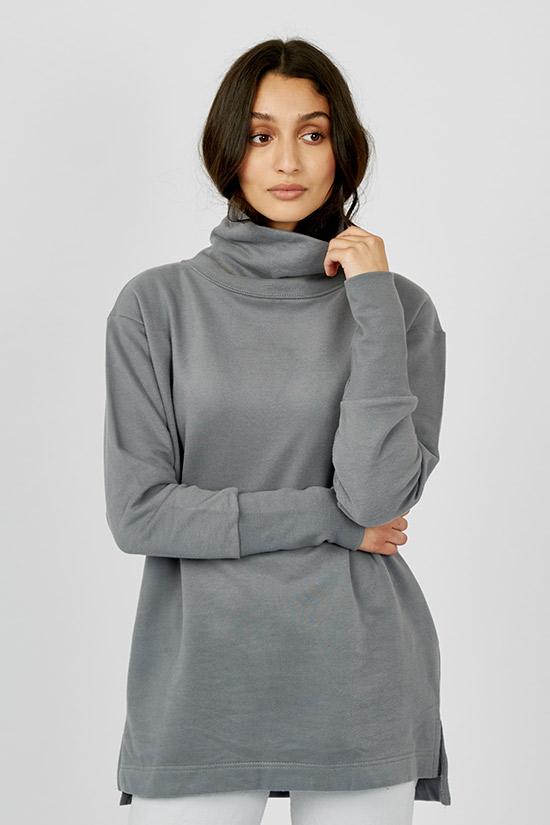 17c55867-41d4-4128-94ba-a50346e57077-kotn-the-turtleneck-sweatshirt-tunic-graphite-120-1.jpg