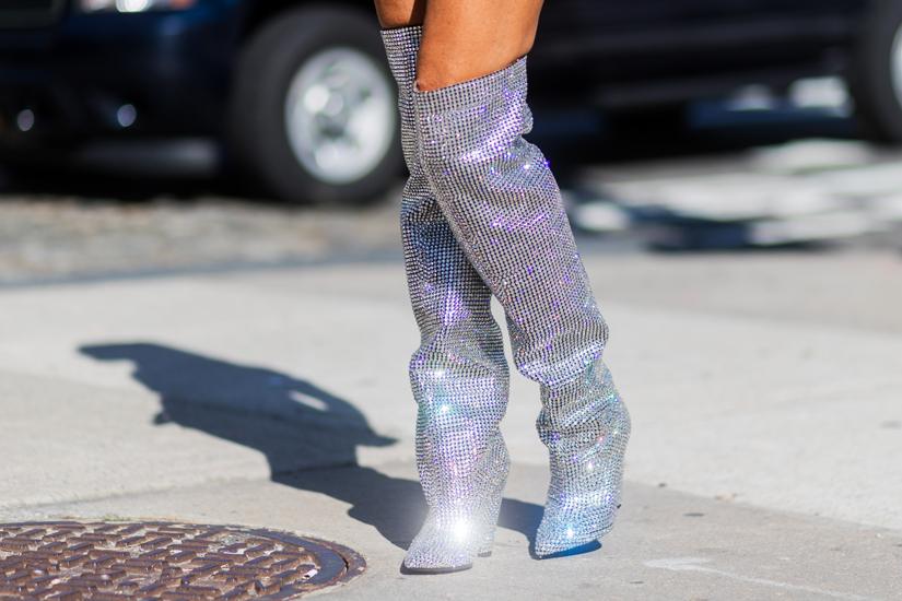 e7c1bb85-2770-40b8-a75e-98e351648422-silver-glitter-boots-jpg