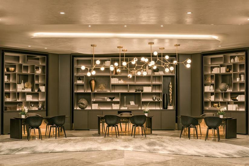 b41bbb9e-b5db-4faa-9f2f-1273f678af0c-jw-marriott-parq-vancouver-concierge-lounge-1-web.jpg