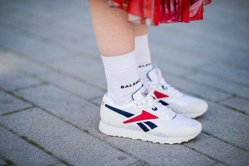 4095ccf8-ba15-4dd8-b8e1-bd693742b2a4-rebook-running-shoes-street-style.jpg