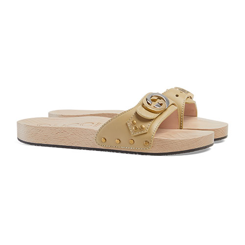 gucci-Leather-slide-sandal-with-Interlocking G
