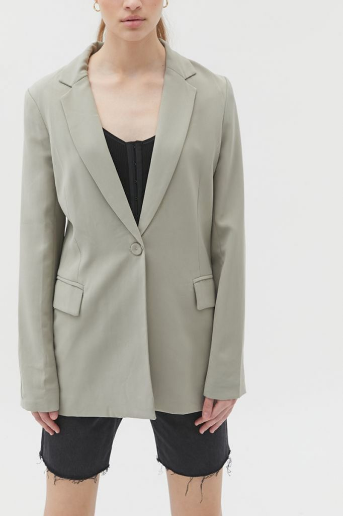 POLYESTER BLAZER, LIONESS, AT URBAN OUTFITTERS