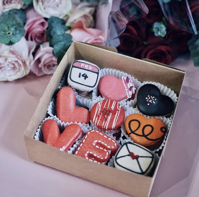 Social Blend Valentine's Macaron Box