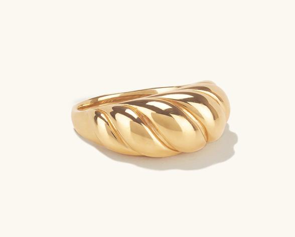 Merjuri Croissant Dôme Ring