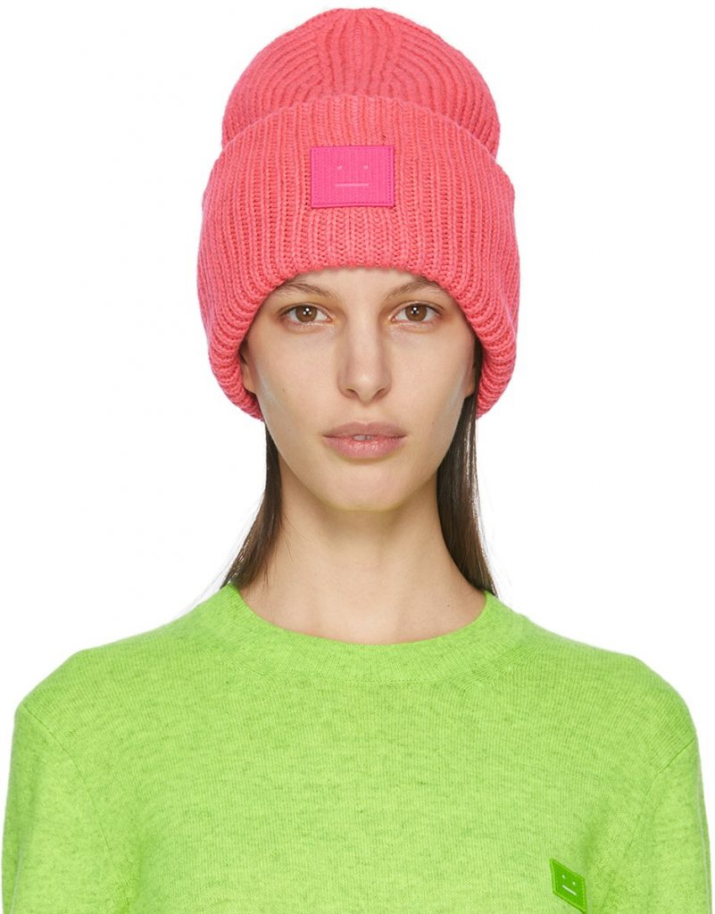 ELLE TOP: 10 Fashion Must-Haves For Outdoor Winter Activities