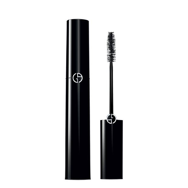 ELLE TOP: The 8 Best Volumizing Mascaras For Long, Defined Lashes