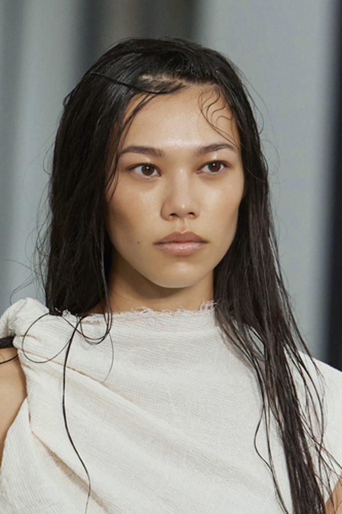 SS21 Hair Trend: Wet 2.0 (Sportmax)
