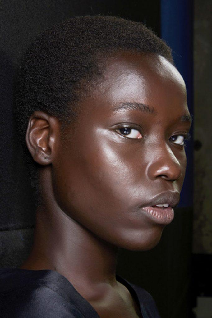 SS21 Makeup Trend: Glow Up (Blumarine)