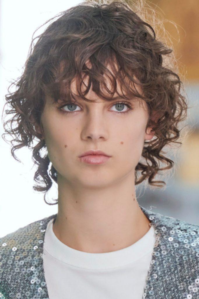 SS21 Hair Trend: Casual Curls (Louis Vuitton)