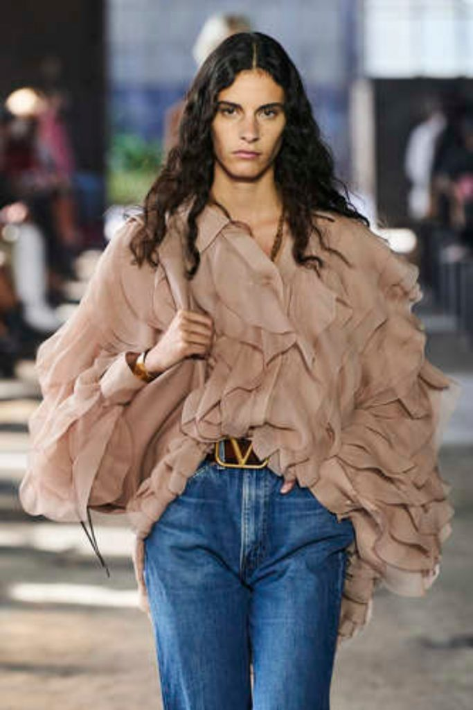 SS21 Hair Trend: Casual Curls (Valentino)