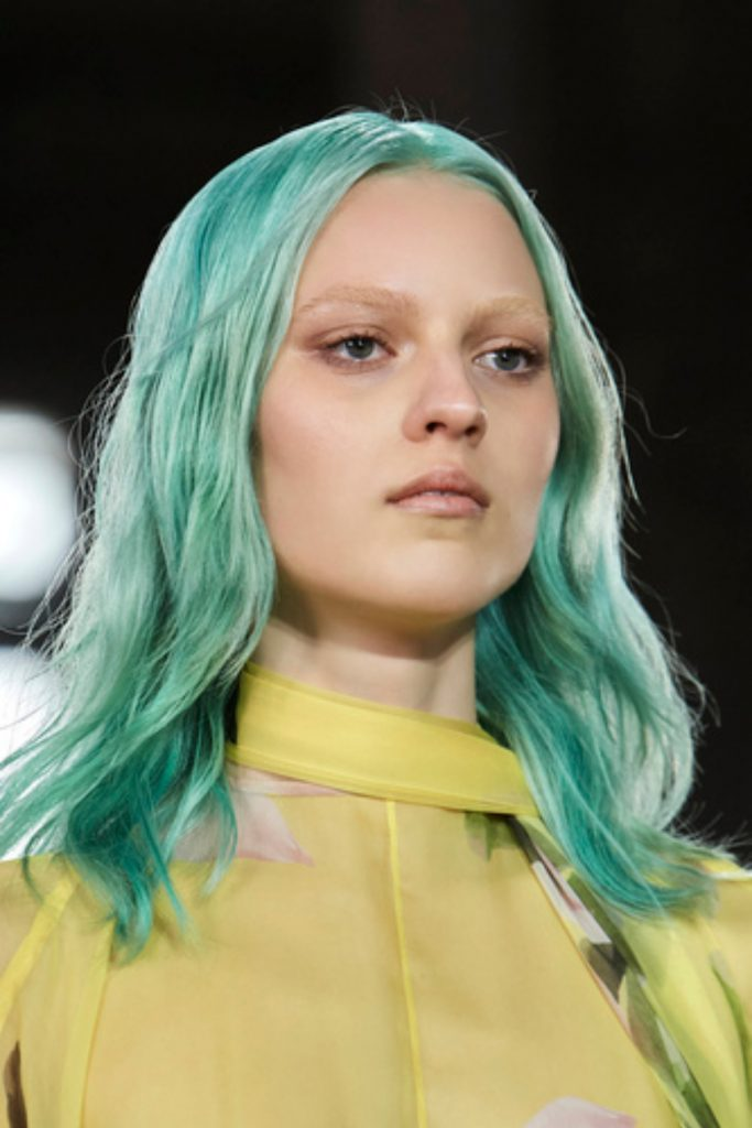 SS21 Hair Trend: Make It Pop (Valentino)