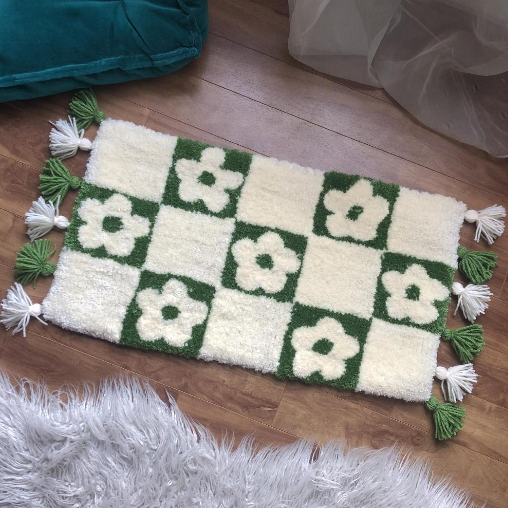 Checkered Flower Tufted Rug, customtuftedrugs