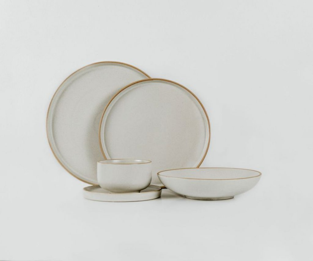Lineage Ceramics Coupe Full Serving Set