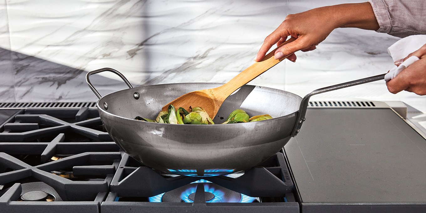 Cook Like a Pro With This Luxury Range