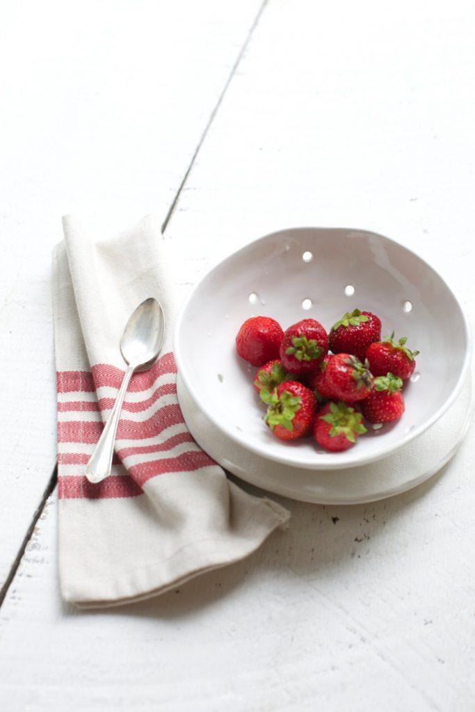Berry bowl, Looks Like White